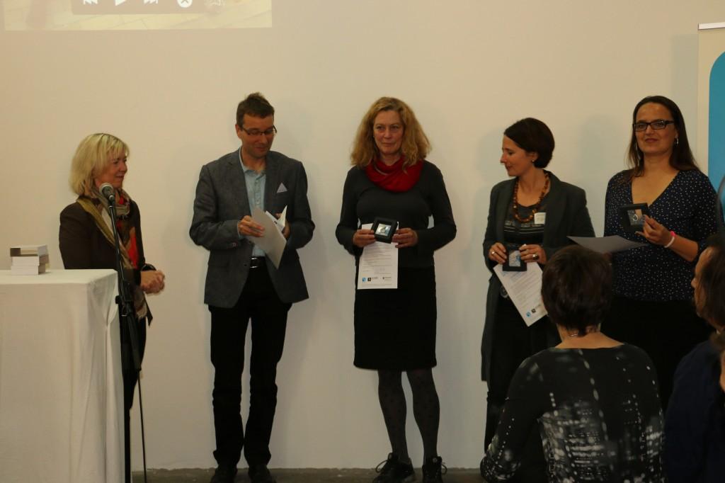 Von links nach rechts: Ministerin Doris Ahnen, Lukas Nübling, Karin Mainer, Cornelia Rößler, Alexandra Deutsch.